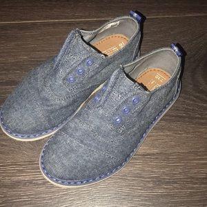 Light jean like blue Boys TOMS dress shoes